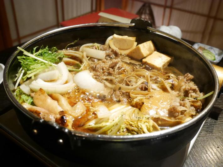 淡路夢泉景 夕食 淡路牛と阿波尾鶏のすき焼き