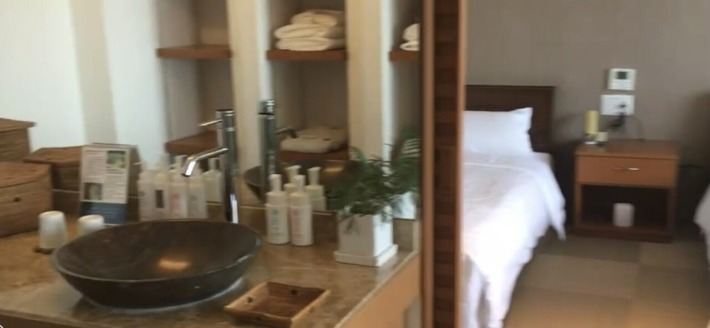 ホテルうみね スイートルーム洗面所