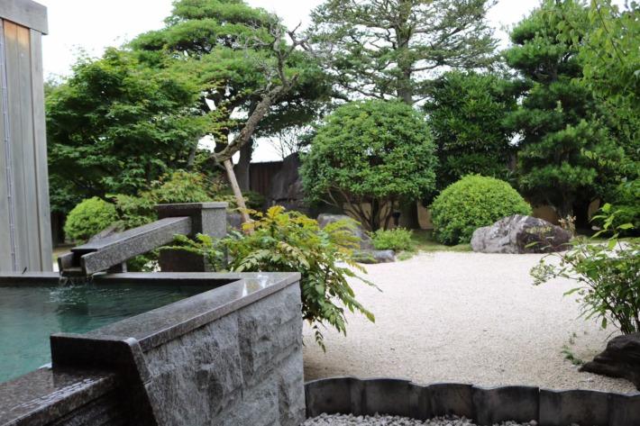 さぎの湯荘 足湯付き客室露天風呂と庭園