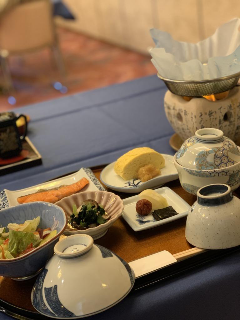 人丸花壇 朝食