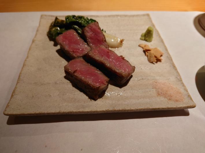 ONSEN RYOKAN 由縁新宿 厳選和牛のサーロイン鉄板焼き