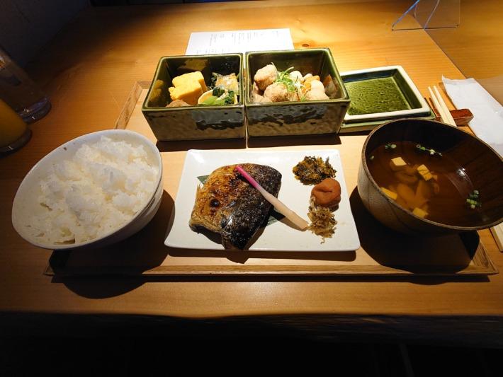 ONSEN RYOKAN 由縁新宿 朝食