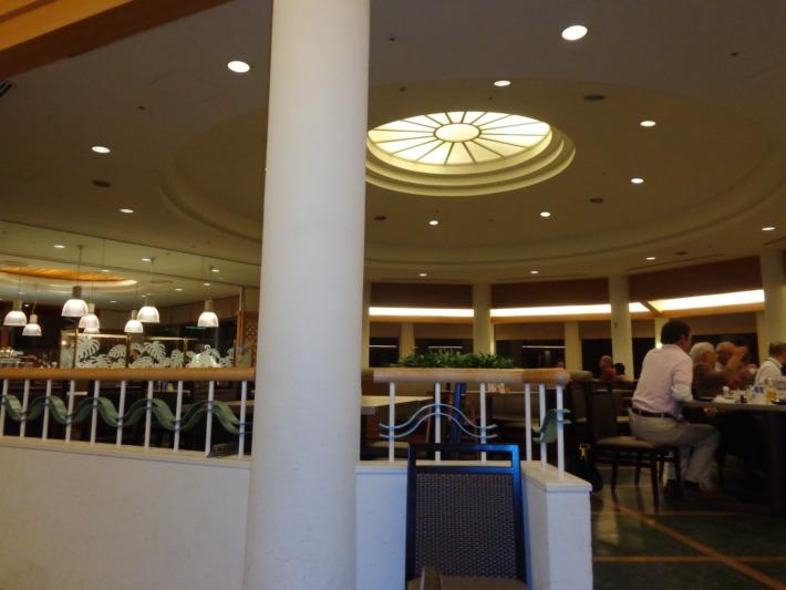 ラグナガーデンホテル内レストラン パセオガーデン
