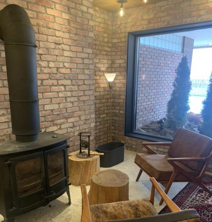 UNWIND HOTEL&BAR SAPPORO ロビー 暖炉