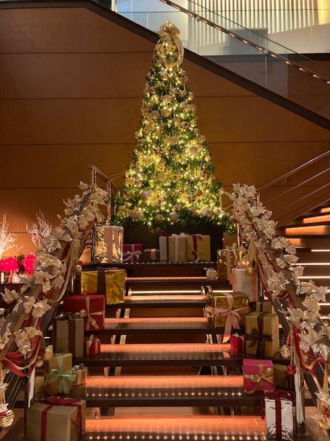 丸ノ内ホテル フロントに飾られたツリー