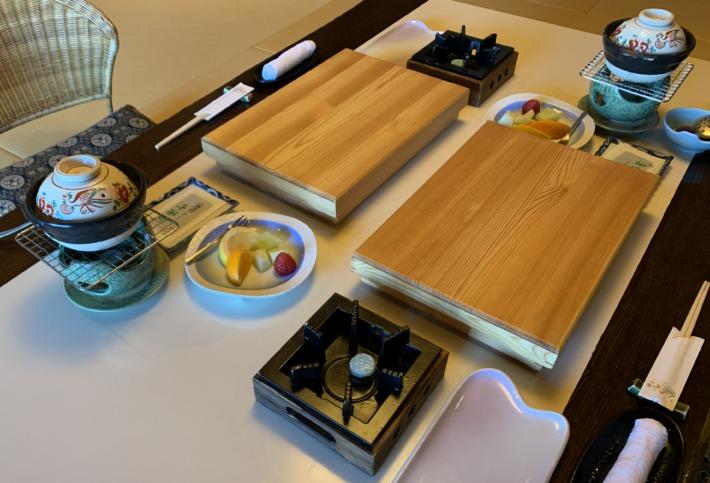 大成館 朝食の入った木箱
