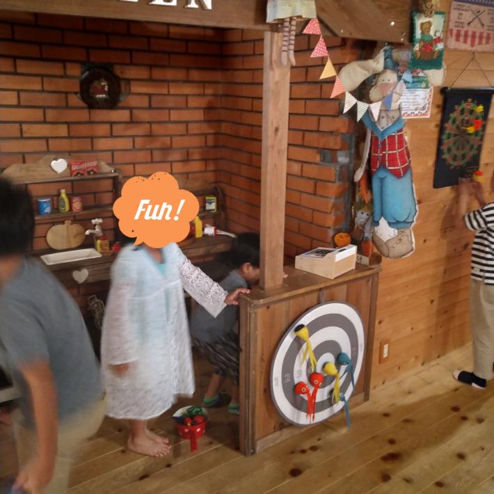 エルモンテ・キャンディハウス 食堂 遊び場