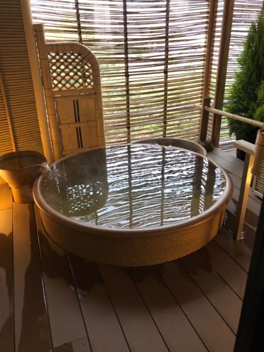 中の坊瑞苑 「銀泉」貸切露天風呂