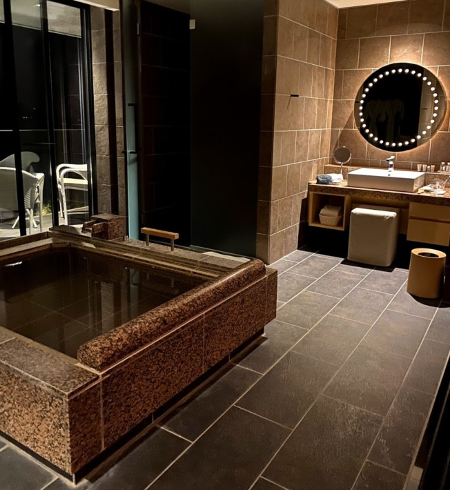 Hiramatsu 仙石原 本館 最上階 スイートルーム 客室温泉露天風呂