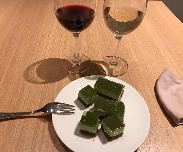 ホテルインターゲート京都四条新町 館内 ラウンジ ケーキ