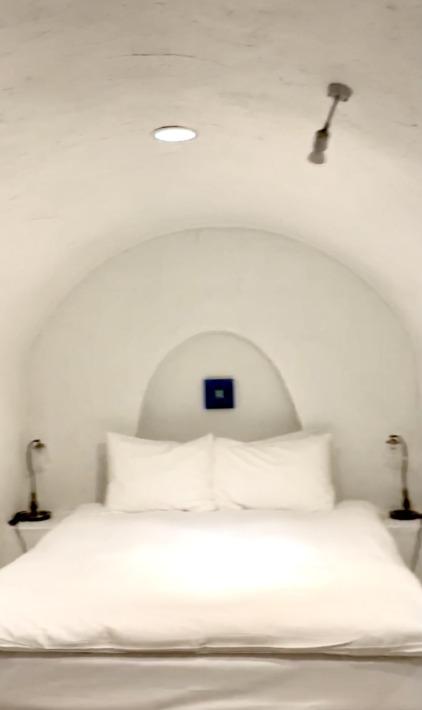 ヴィラ・サントリーニ ベッドルーム