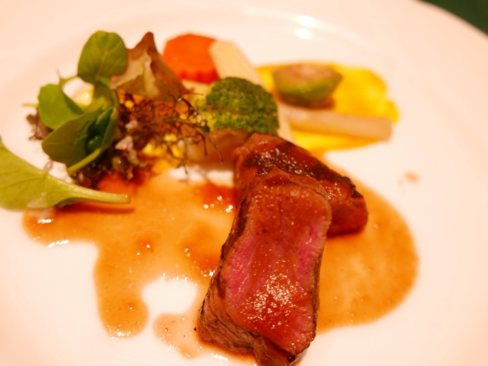 奈良ホテル メインダイニング『三笠』 夕食 和牛のステーキ
