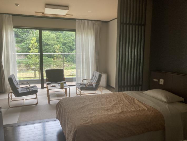 清嵐荘 客室 寝室